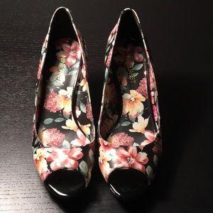 Nine West - Gelabelle floral shoes - NWOT